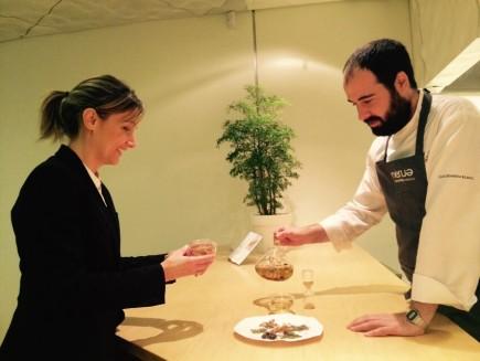 Nuestra maître, Stefania Giordano, y nuestro jefe de I+D, Txisku Nuévalos, probando tisanas