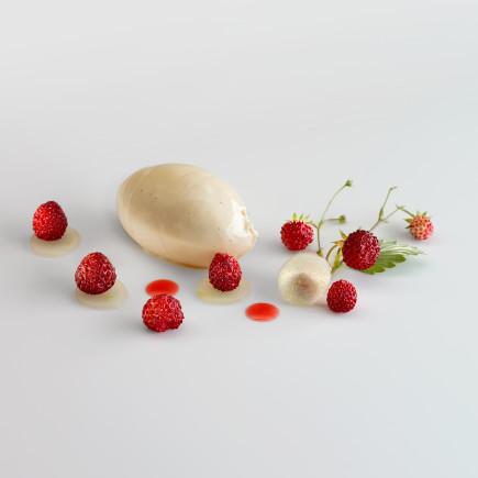 Fresas, manzana y helado de alholva